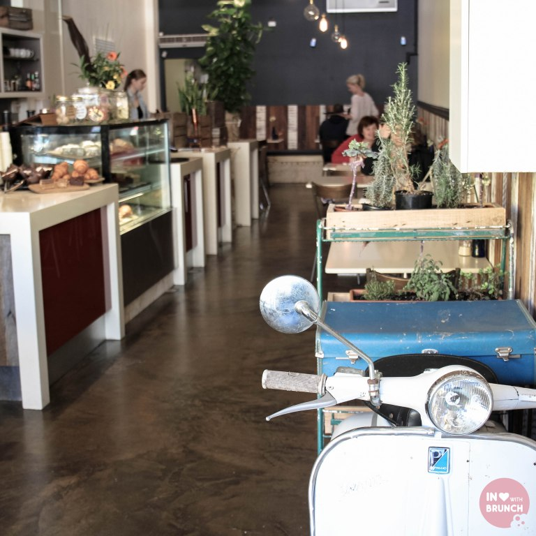Two Kings Bentleigh Flat White Interior (1 of 1)