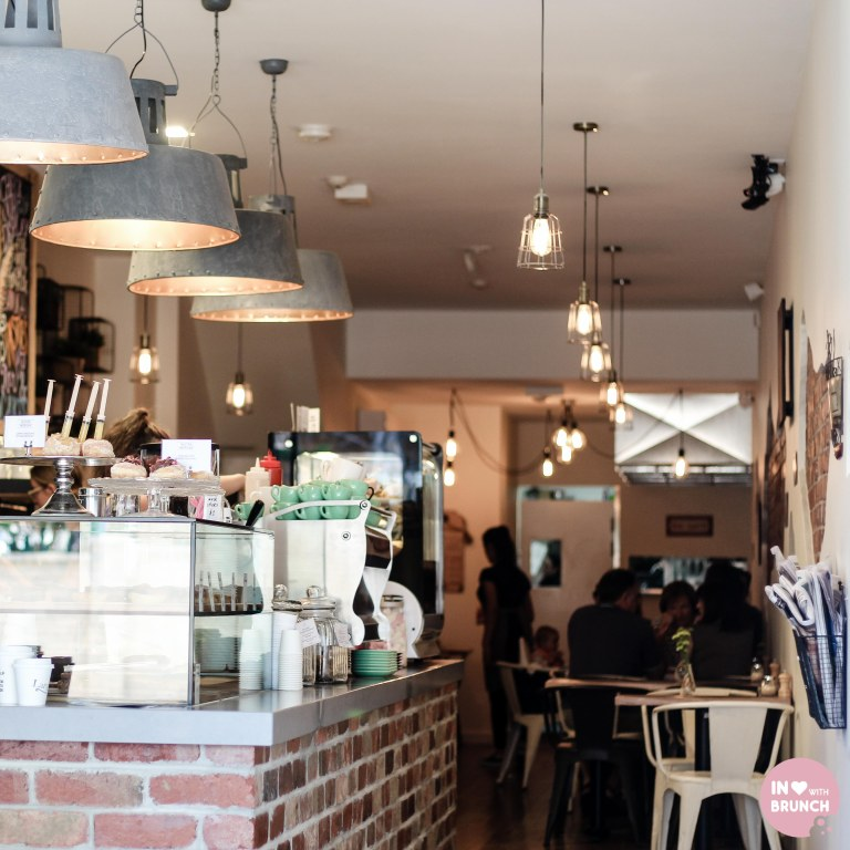 Cafe Largo Interior2